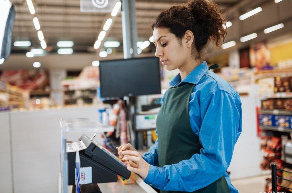 Riesgo por sobrecarga biomecánica de las extremidades superiores en trabajadores de supermercados: Propuesta del modelo de análisis